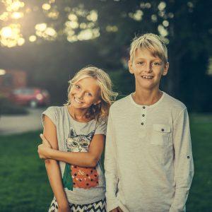 siblings-3315770_1920